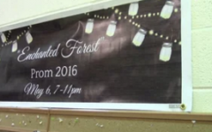 Junior class prepares prom decorations