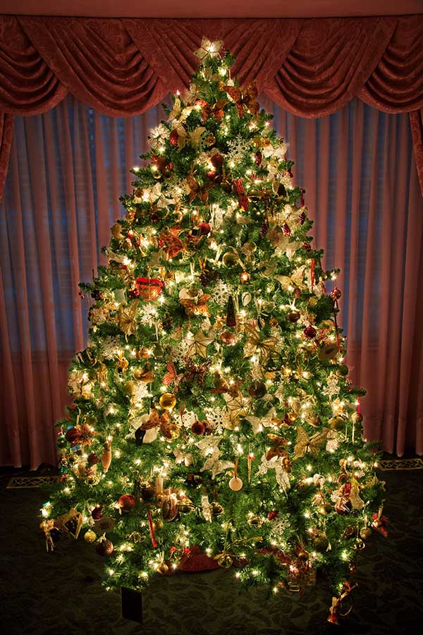 Pictures Of Artificial Christmas Trees
