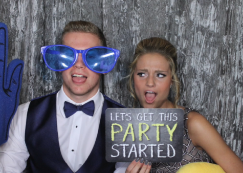 Photobooth Fun at Prom 2017