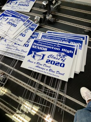 HHSA sponsors Class of 2020 lawn sign distribution