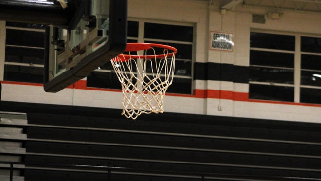 Basketball+players+reflect+on+empty+stands